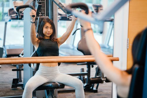 運動する女性画像検索結果