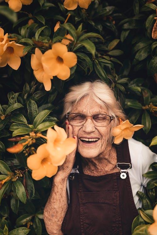 花と女性画像検索結果